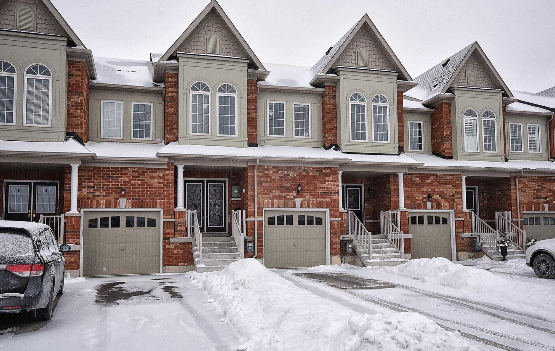 Main Photo: 27 Clarinet Lane in Whitchurch-Stouffville: Stouffville House (2-Storey) for sale : MLS®# N5097771