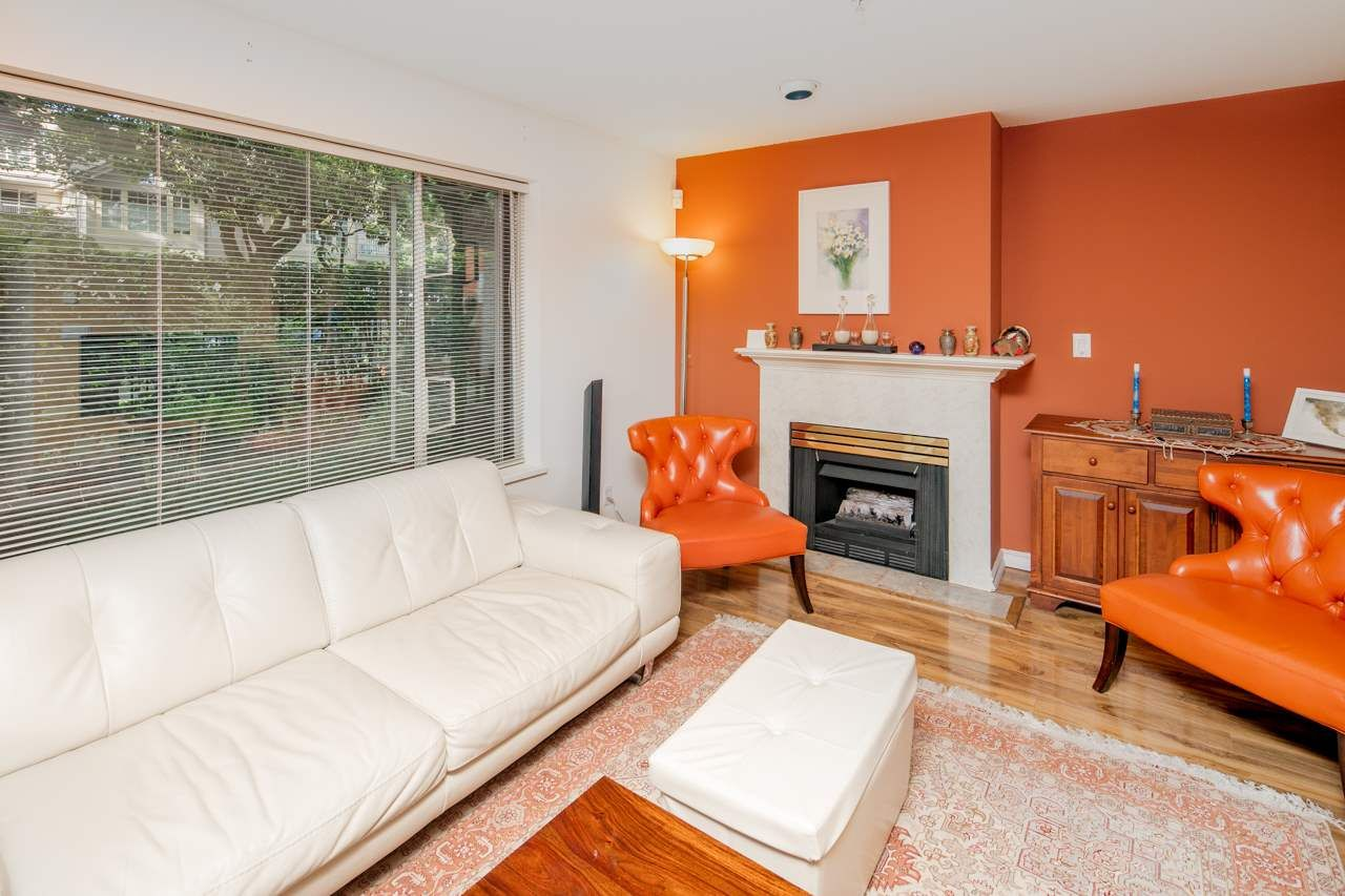 Photo 2: Photos: 109 628 W 13TH AVENUE in Vancouver: Fairview VW Condo for sale (Vancouver West)  : MLS®# R2205140