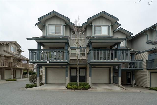 Main Photo: : Townhouse for sale : MLS®# R2245462