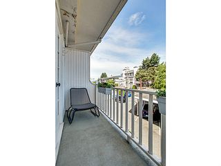 """Photo 10: 206 120 W 17TH Street in North Vancouver: Central Lonsdale Condo for sale in """"THE OLD COLONY"""" : MLS®# V1066487"""