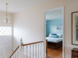 Photo 17: 4229 GLENHAVEN Crescent in North Vancouver: Dollarton House for sale : MLS®# R2465673