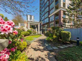 "Photo 8: 2102 850 ROYAL Avenue in New Westminster: Downtown NW Condo for sale in ""ROYALTON"" : MLS®# R2568991"