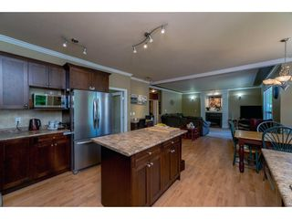 Photo 5: 6878 198B Street in Langley: Willoughby Heights House for sale : MLS®# R2189371