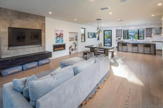 Photo 2: ENCINITAS House for sale : 5 bedrooms : 307 La Mesa Ave
