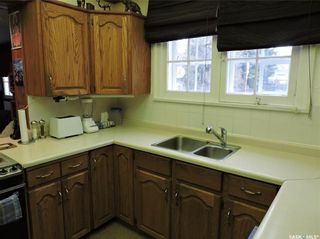 Photo 3: 108 3rd Avenue North in Yorkton: Residential for sale : MLS®# SK849003