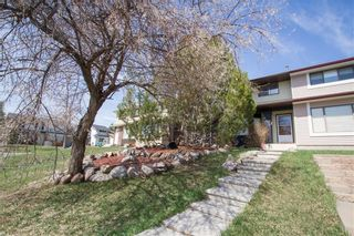 Photo 1: 6306 24 Avenue NE in Calgary: Pineridge House for sale : MLS®# C4181311