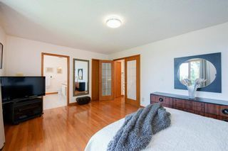 Photo 25: 27 Strathlorne Bay SW in Calgary: Strathcona Park Detached for sale : MLS®# A1120430