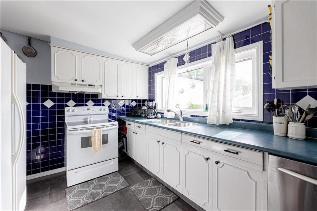 Photo 14: Photos: 805 Madeline Street in Winnipeg: West Transcona Residential for sale (3L)  : MLS®# 202114224