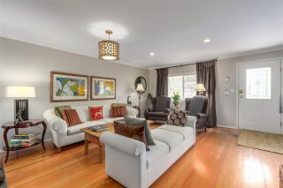 """Photo 4: 139 E 24TH Avenue in Vancouver: Main House for sale in """"MAIN STREET"""" (Vancouver East)  : MLS®# R2286100"""