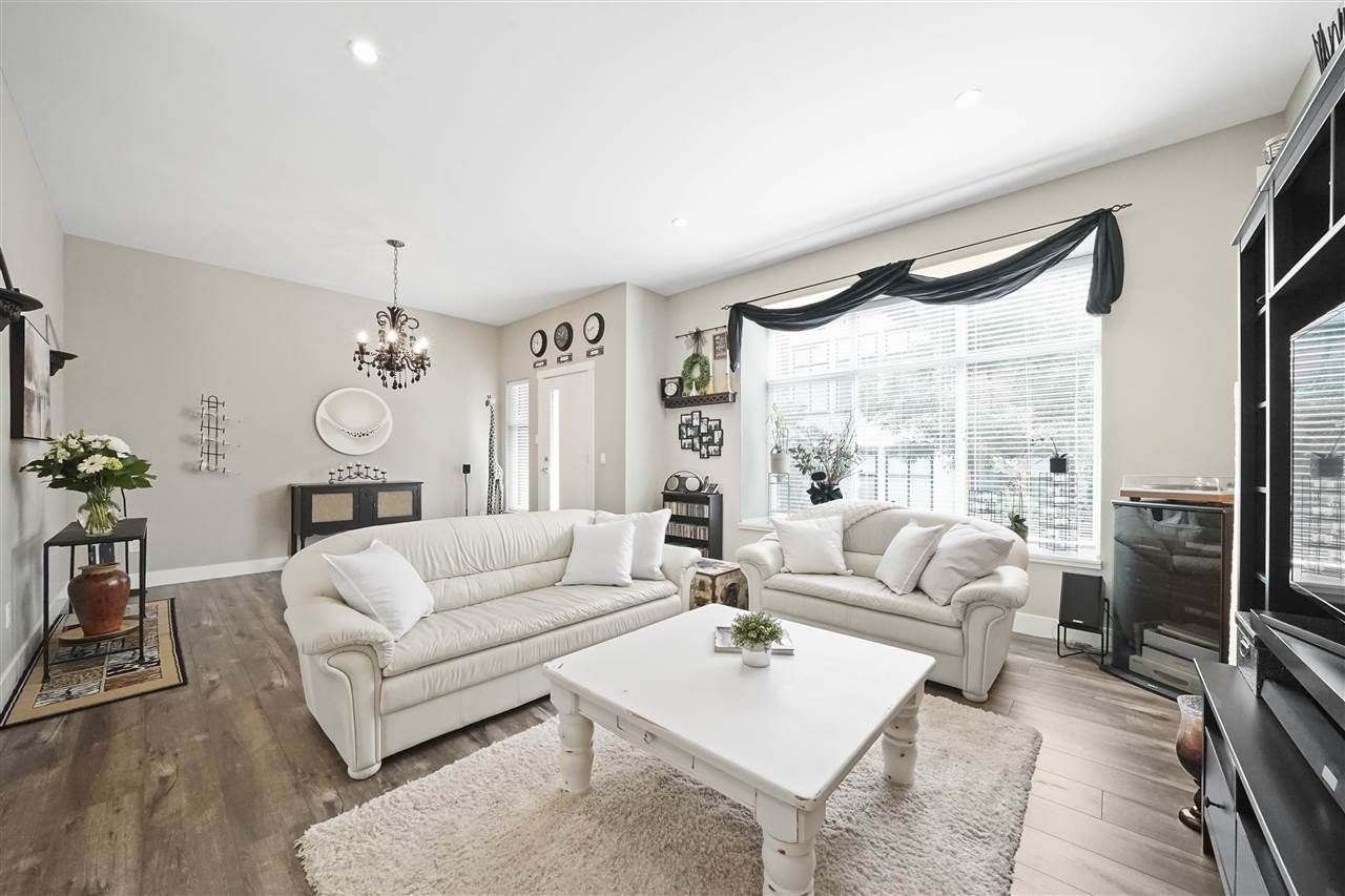"""Main Photo: 43 2687 158 Street in Surrey: Grandview Surrey Townhouse for sale in """"Jacobsen"""" (South Surrey White Rock)  : MLS®# R2406998"""