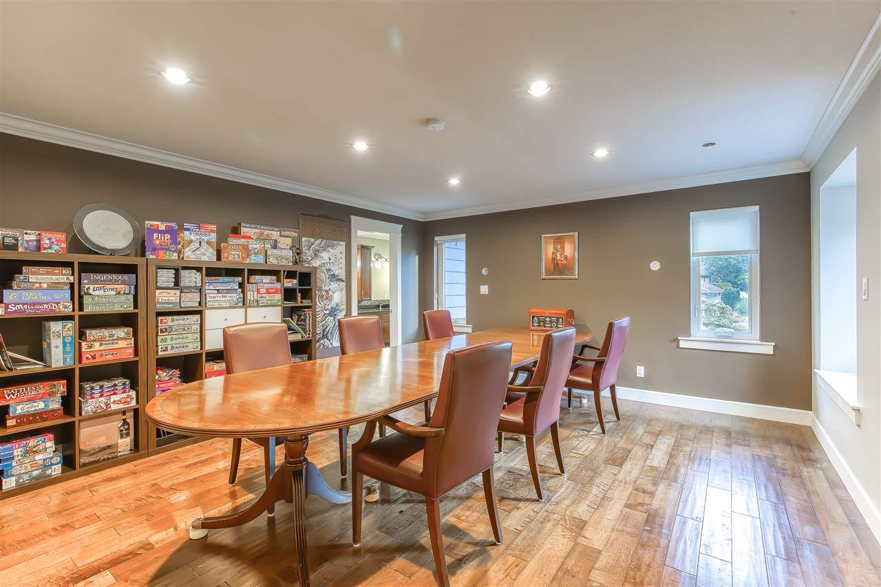 """Photo 32: Photos: 2732 NORTHCREST Drive in Surrey: Sunnyside Park Surrey House for sale in """"Woodshire Park"""" (South Surrey White Rock)  : MLS®# R2543125"""