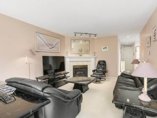 Photo 9: 69 15860 82 Avenue in Surrey: Fleetwood Tynehead Townhouse for sale : MLS®# R2195718