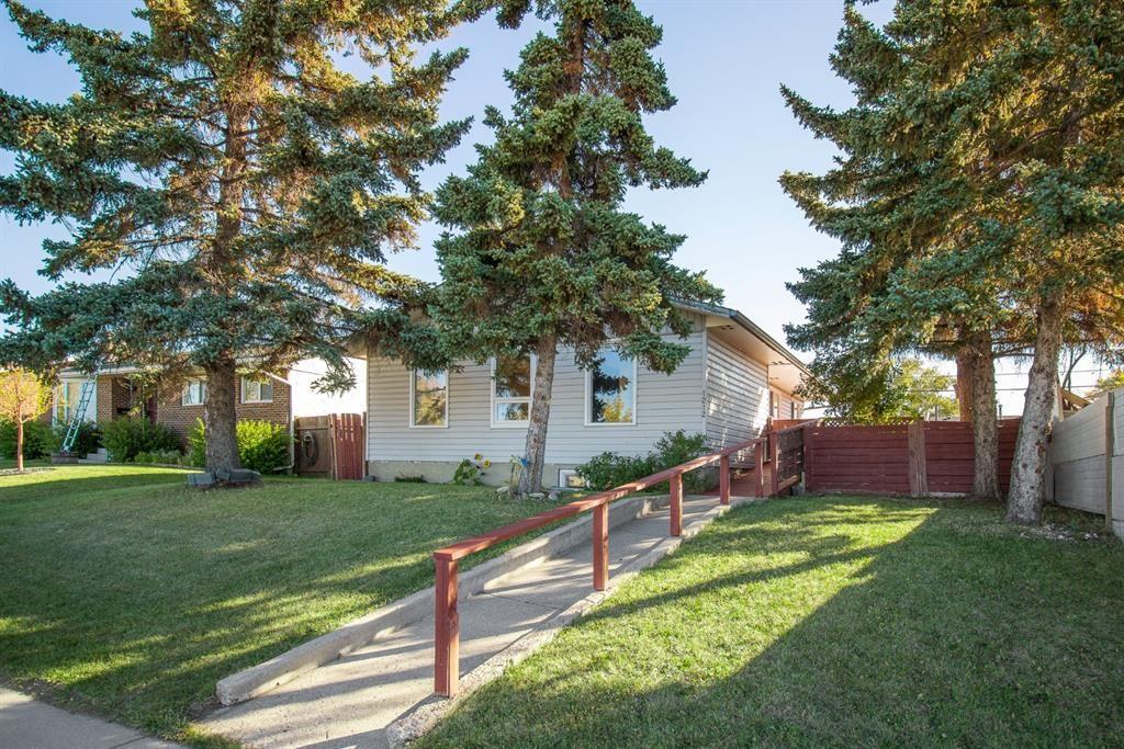 Main Photo: 1212 Pensacola Way SE in Calgary: Penbrooke Meadows Detached for sale : MLS®# A1148366