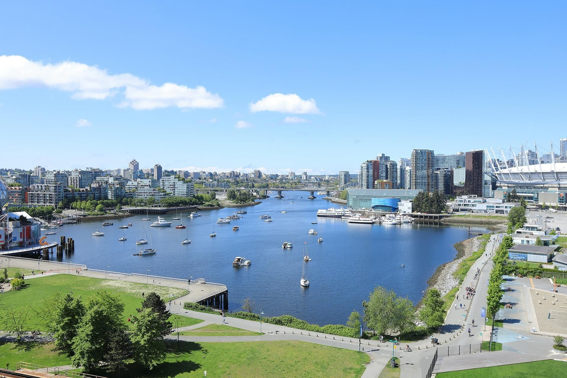 """Main Photo: 1405 120 MILROSS Avenue in Vancouver: Downtown VE Condo for sale in """"THE BRIGHTON BY BOSA"""" (Vancouver East)  : MLS®# R2617485"""