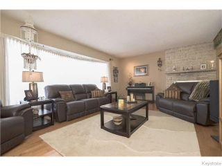 Photo 2: 600 FOXGROVE Avenue in East St Paul: Birdshill Area Residential for sale (North East Winnipeg)  : MLS®# 1603270