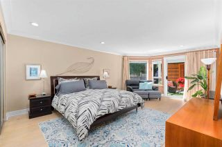 """Photo 18: 843 PARKER Street: White Rock House for sale in """"East Beach"""" (South Surrey White Rock)  : MLS®# R2590791"""