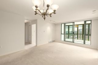 """Photo 9: 1602 7380 ELMBRIDGE Way in Richmond: Brighouse Condo for sale in """"The Residences"""" : MLS®# R2615275"""