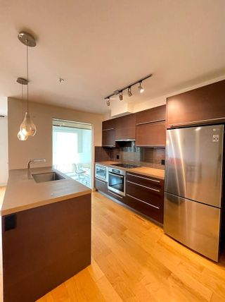 """Photo 15: 304 4463 W 10TH Avenue in Vancouver: Point Grey Condo for sale in """"West Point Grey"""" (Vancouver West)  : MLS®# R2567933"""