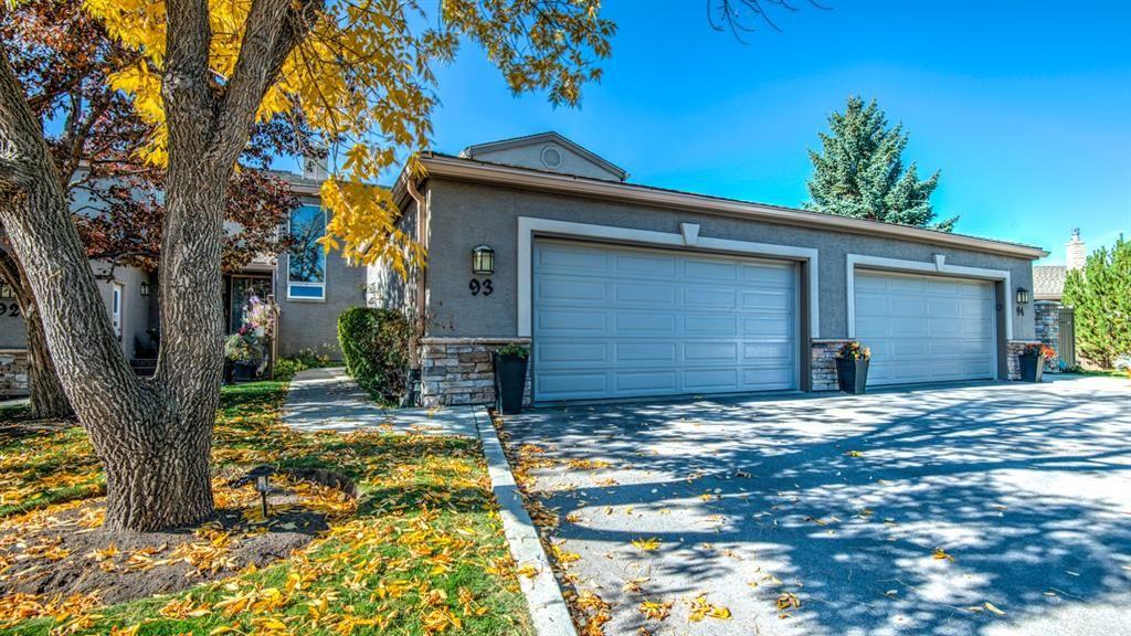 Main Photo: 93 1815 Varsity Estates Drive NW: Calgary Row/Townhouse for sale : MLS®# A1039353