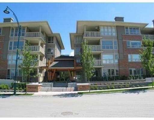 """Main Photo: 216 801 KLAHANIE Drive in Port Moody: Port Moody Centre Condo for sale in """"INGLENOOK"""" : MLS®# V643174"""