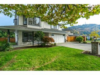 Photo 1: 3054 CASSIAR Avenue in Abbotsford: Abbotsford East House for sale : MLS®# R2318969