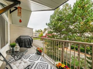 """Photo 17: 306 15298 20 Avenue in Surrey: King George Corridor Condo for sale in """"WATERFORD HOUSE"""" (South Surrey White Rock)  : MLS®# R2625551"""