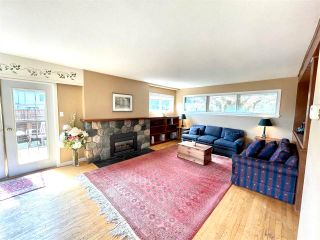 """Photo 17: 1066 CYPRESS Street: White Rock House for sale in """"Hillside"""" (South Surrey White Rock)  : MLS®# R2579690"""