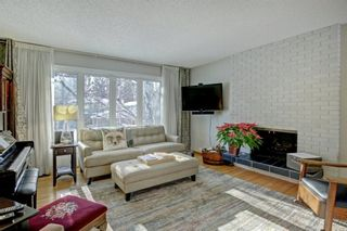 Photo 5: 6742 Leaside Drive SW in Calgary: Lakeview Detached for sale : MLS®# A1137827