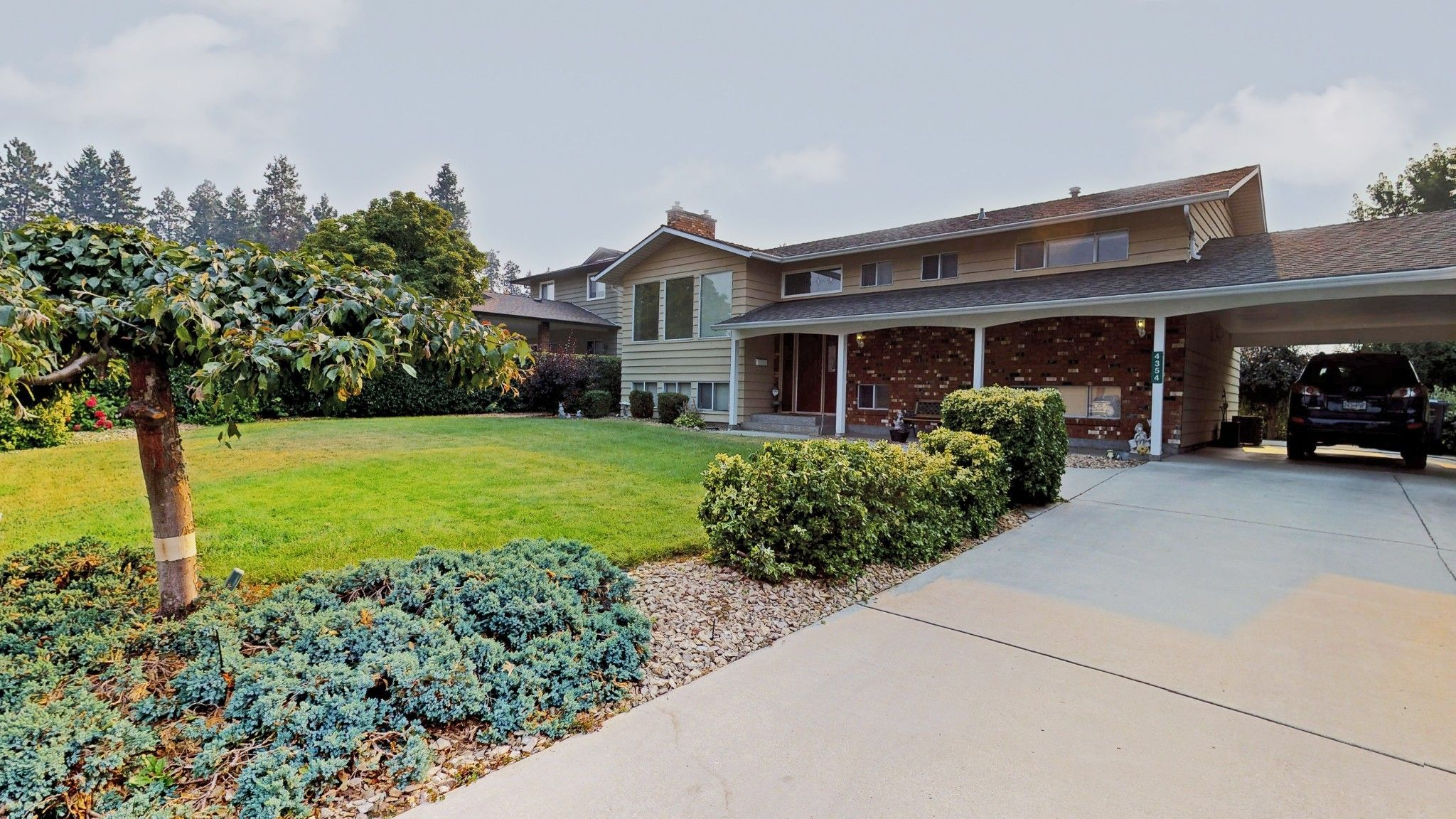 Main Photo: 4354 Kensington Drive in Kelowna: Lower Mission House for sale (Central Okanagan)  : MLS®# 10192307