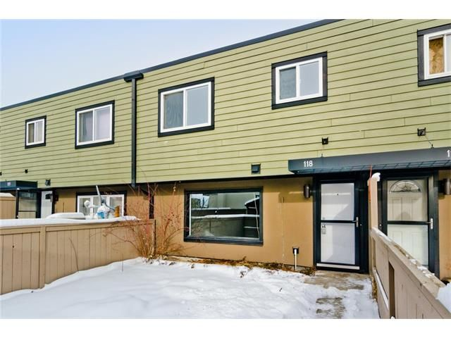 Photo 3: Photos: 118 3809 45 Street SW in Calgary: Glenbrook House for sale : MLS®# C4096404