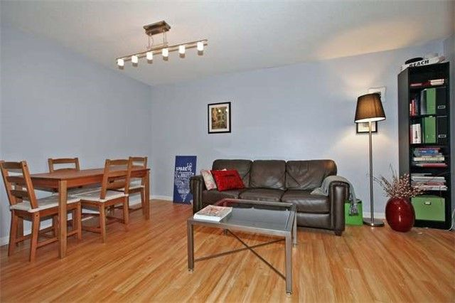 Photo 10: Photos: 808 109 E Front Street in Toronto: Moss Park Condo for lease (Toronto C08)  : MLS®# C3510548
