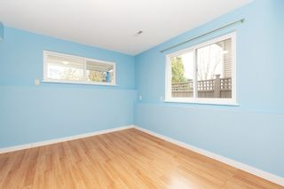 Photo 16: 988 STEVENS Street: House for sale in White Rock: MLS®# R2557973