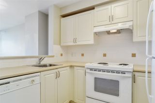 """Photo 8: 805 2799 YEW Street in Vancouver: Kitsilano Condo for sale in """"TAPESTRY AT ARBUTUS WALK"""" (Vancouver West)  : MLS®# R2481929"""