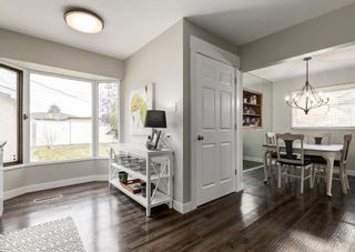 Photo 8: 4528 Forman Crescent SE in Calgary: Forest Heights Detached for sale : MLS®# A1152785