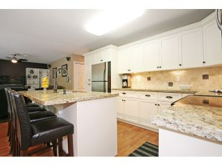 """Photo 7: 21510 83B Avenue in Langley: Walnut Grove House for sale in """"Forest Hills"""" : MLS®# F1442407"""