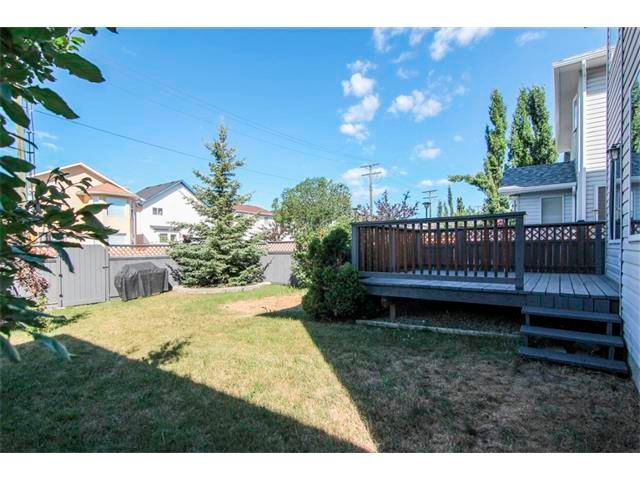 Photo 3: Photos: 196 TUSCANY HILLS Circle NW in Calgary: Tuscany House for sale : MLS®# C4019087