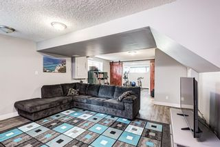 Photo 35: 104 Woodmark Crescent SW in Calgary: Woodbine Detached for sale : MLS®# A1128002