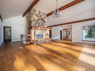 "Photo 16: 7101 DALE Road in Sechelt: Sechelt District House for sale in ""Caleda Estates"" (Sunshine Coast)  : MLS®# R2515160"