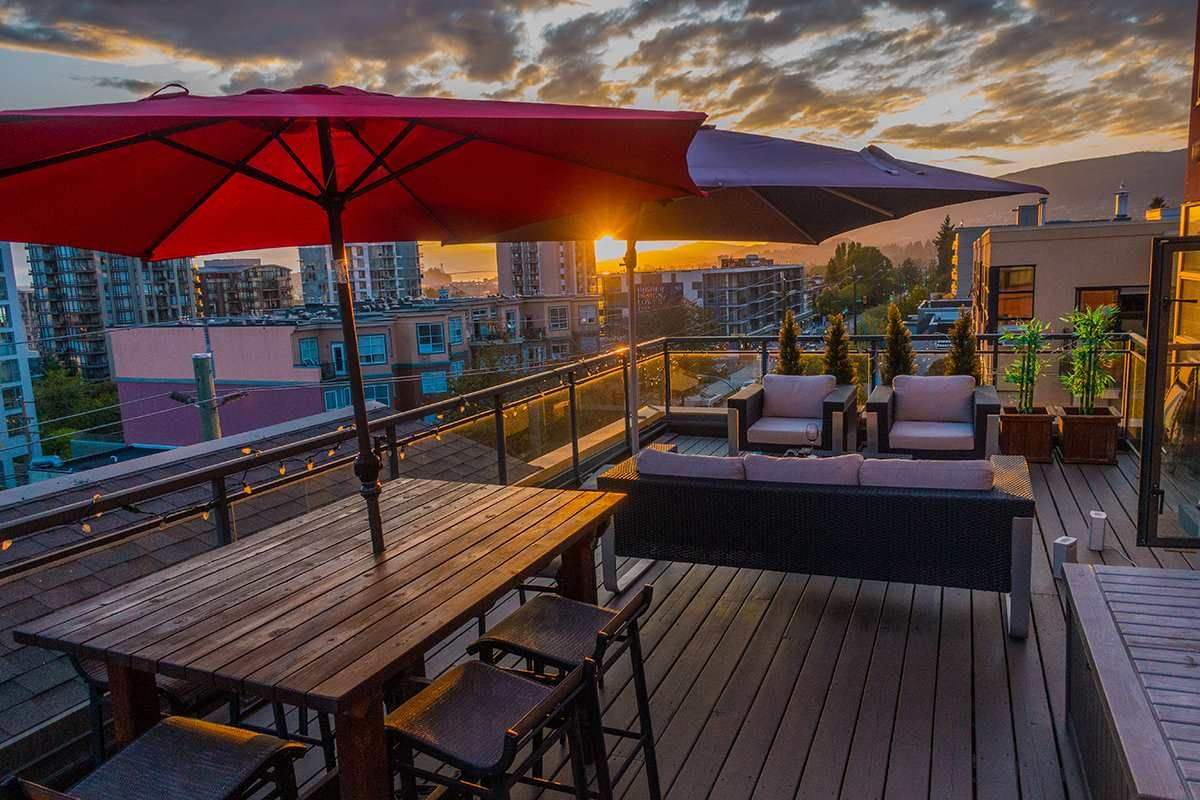 """Main Photo: 504 305 LONSDALE Avenue in North Vancouver: Lower Lonsdale Condo for sale in """"THE MET"""" : MLS®# R2463940"""
