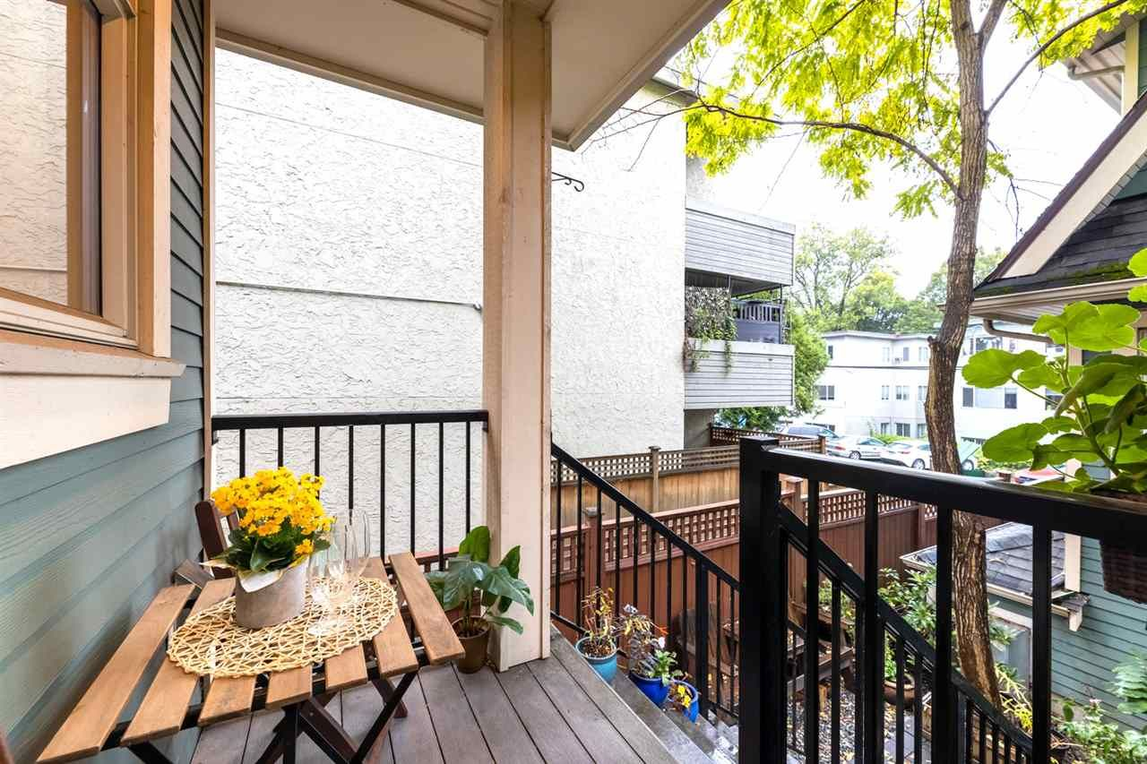 Photo 7: Photos: 1522 GRAVELEY STREET in Vancouver: Grandview Woodland Townhouse for sale (Vancouver East)  : MLS®# R2407954