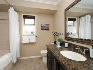 Photo 11: 1136 Lucille Dr in Central Saanich: CS Brentwood Bay House for sale : MLS®# 838973