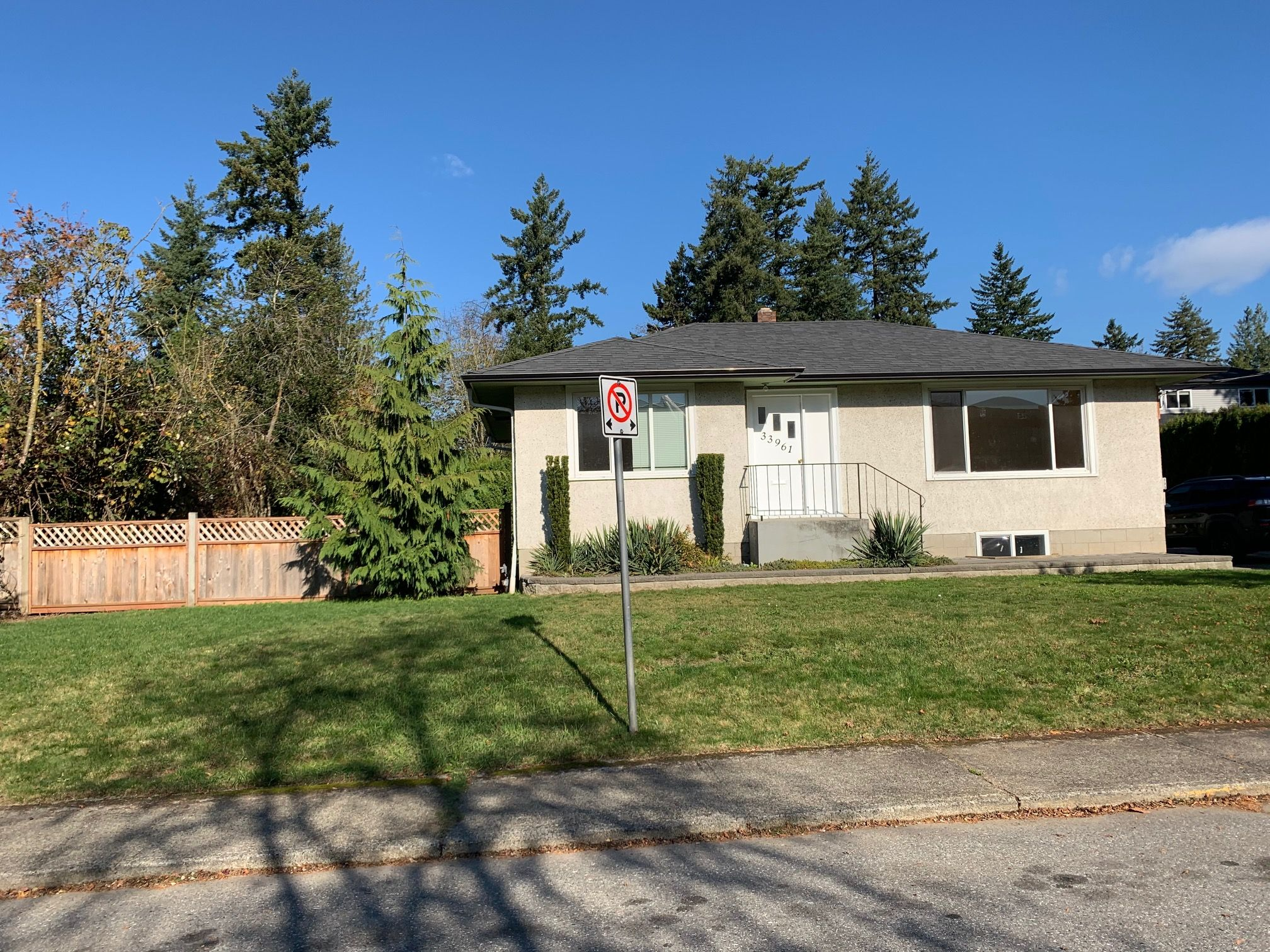 Main Photo: 33961 Essendene Ave. in Abbotsford: Central Abbotsford House for rent