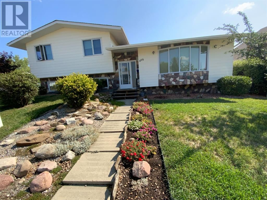 Main Photo: 408 Royal  Crescent N in Trochu: House for sale : MLS®# A1139955