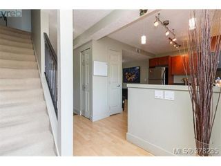 Photo 3: 55 4061 Larchwood Dr in VICTORIA: SE Lambrick Park Row/Townhouse for sale (Saanich East)  : MLS®# 759475