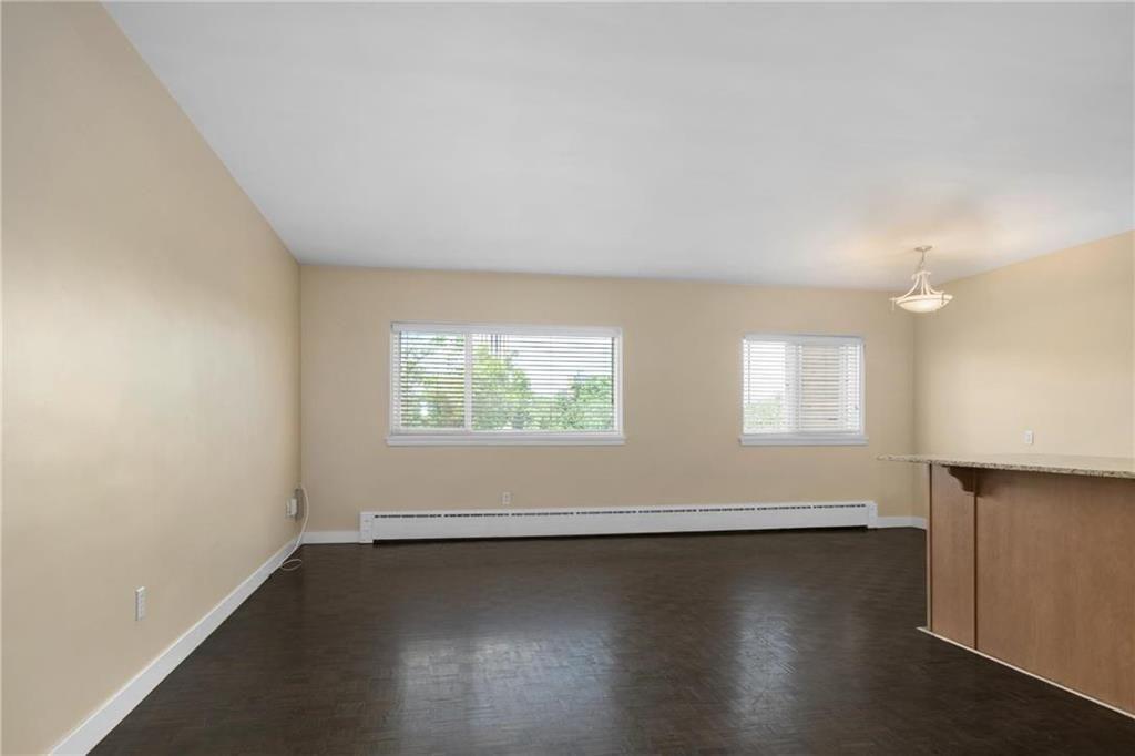 Photo 2: Photos: 406 565 Corydon Avenue in Winnipeg: Condominium for sale (1B)  : MLS®# 202025502