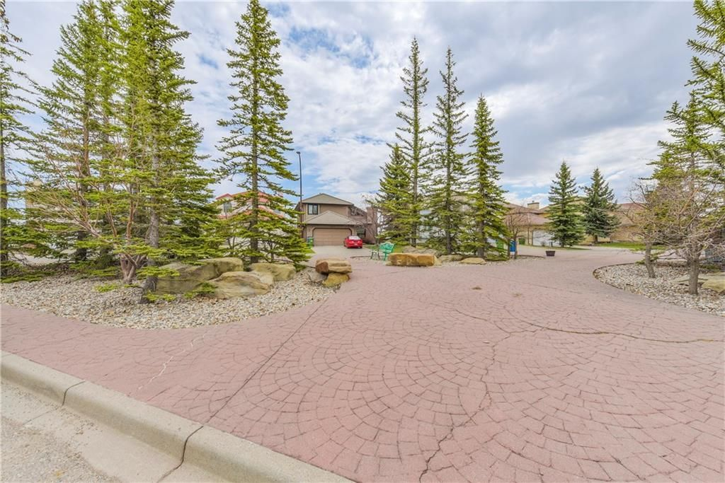 Photo 5: Photos: 2603 SIGNAL RIDGE View SW in Calgary: Signal Hill House for sale : MLS®# C4177922