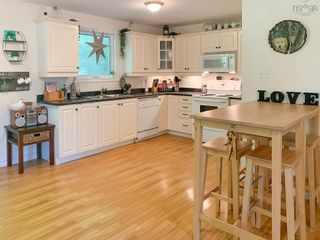 Photo 7: 28 BEECHWOOD Drive in Conquerall Mills: 405-Lunenburg County Residential for sale (South Shore)  : MLS®# 202124292