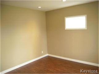 Photo 3: 404 Manitoba Avenue in WINNIPEG: North End Residential for sale (North West Winnipeg)  : MLS®# 1427269