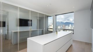 """Photo 10: 1901 1171 JERVIS Street in Vancouver: West End VW Condo for sale in """"The Jervis"""" (Vancouver West)  : MLS®# R2559366"""