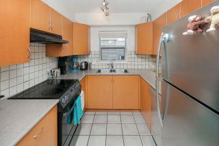 """Photo 8: 306 3161 W 4TH Avenue in Vancouver: Kitsilano Condo for sale in """"Bridgewater"""" (Vancouver West)  : MLS®# R2252176"""